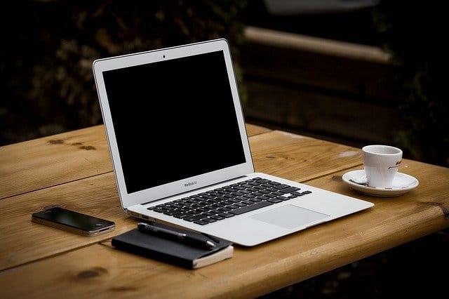 laptop voor online geld verdienen